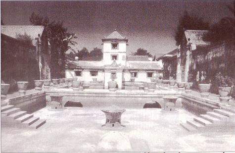 Istana Air Romatik dari Yogyakarta
